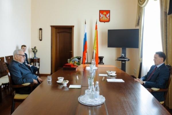 Губернатор поручил закончить реконструкцию Советской площади вВоронеже к1мая