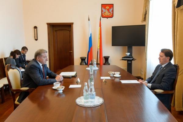 Воронежский сенатор обсудил развитие строительной сферы в правительстве