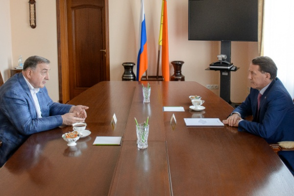 Воронежский губернатор поддержал планы Абубакара Арсамакова