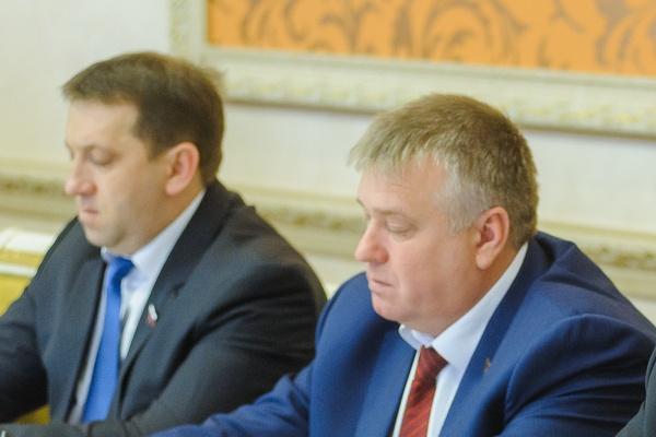 Оппозиция поговорила с воронежским губернатором про деньги