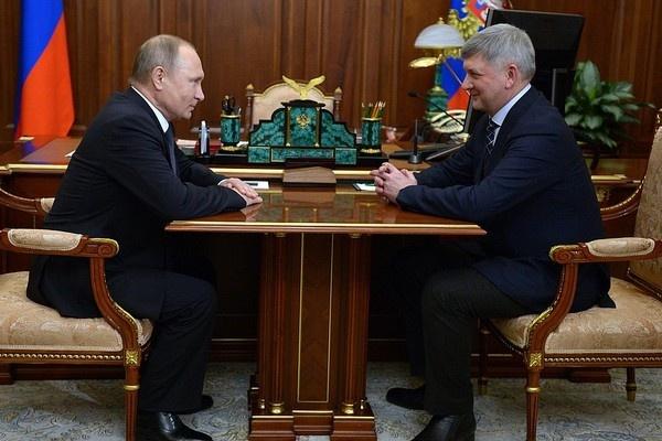 Владимир Путин повысил мэра Воронежа до и.о. губернатора после личной встречи