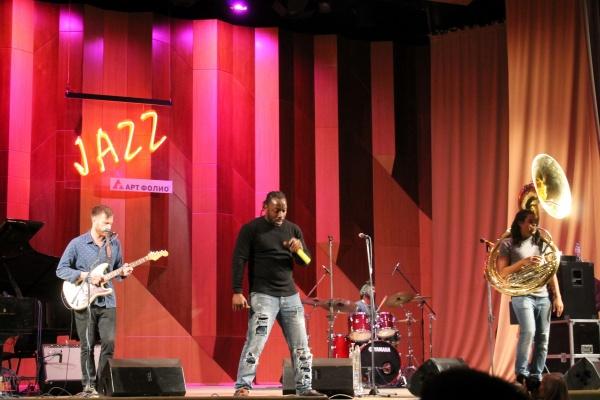 Воронежцы спели с американцами из Stooges Brass Band на открытии «Джазовой провинции»