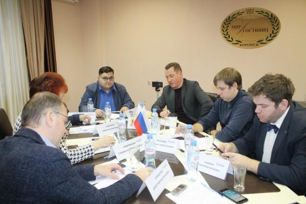 Эксперты и политики оценили соблюдение конституционных прав в Воронежской области
