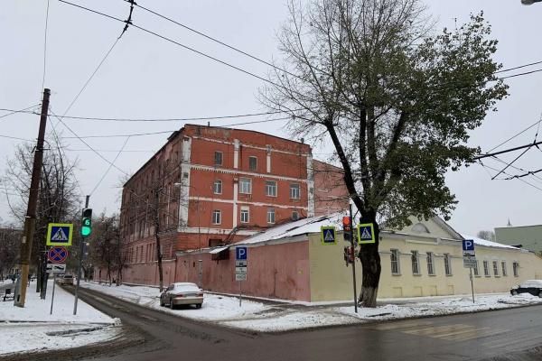 В Воронеже общественники усомнились в законности стройки у хлебозавода