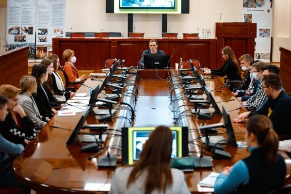 Воронежский перевозчик обсудил с юными инноваторами потенциал развития транспорта