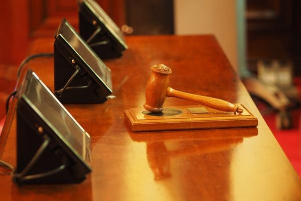 Очередной воронежский адвокат пойдет под суд за попытку мошенничества