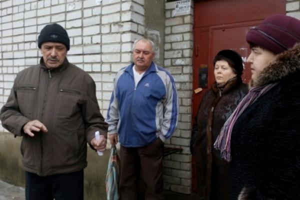Из-за УК «Коммунальщик» квартиры воронежцев затопила канализация