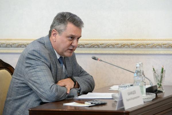 Сергей Канищев покидает пост председателя избиркома Воронежской области