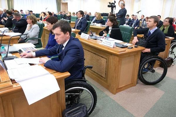 Воронежский сенатор потребовала от губернаторов доступности общественного транспорта для инвалидов