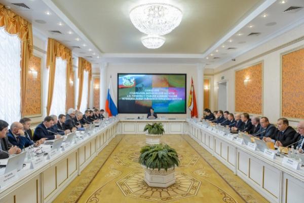 Воронежский губернатор попросил бороться с коррупцией без перегибов