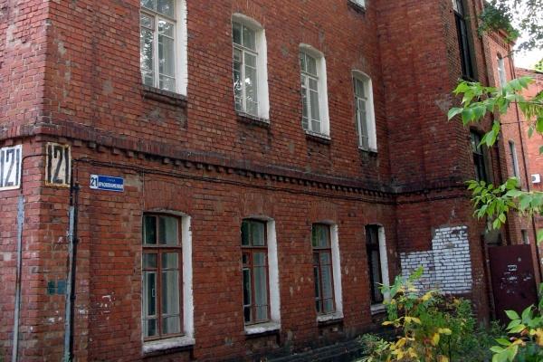 Воронежскую УК оштрафовали за плохое содержание трехэтажки послевоенной постройки
