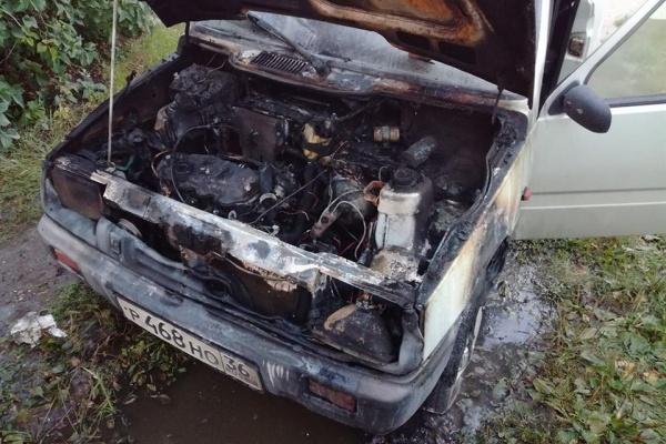 Сгорел автомобиль воронежского общественника
