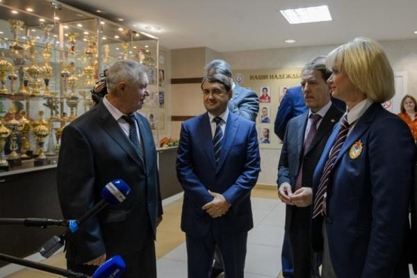 Игорь Левитин в Воронеже призвал переключить внимание с профессионального спорта на массовый