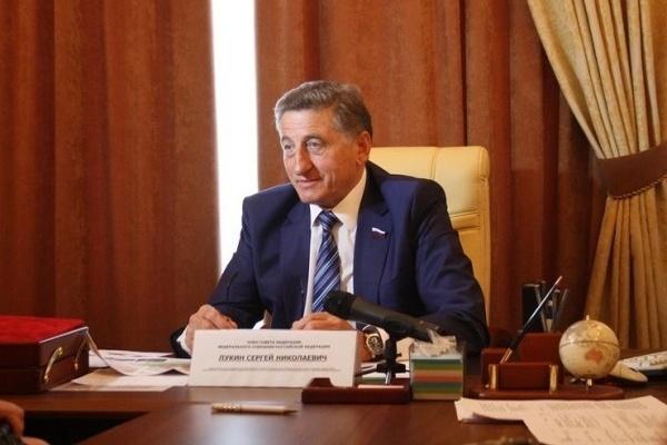 Воронежский сенатор поздравил журналистов с Днем печати