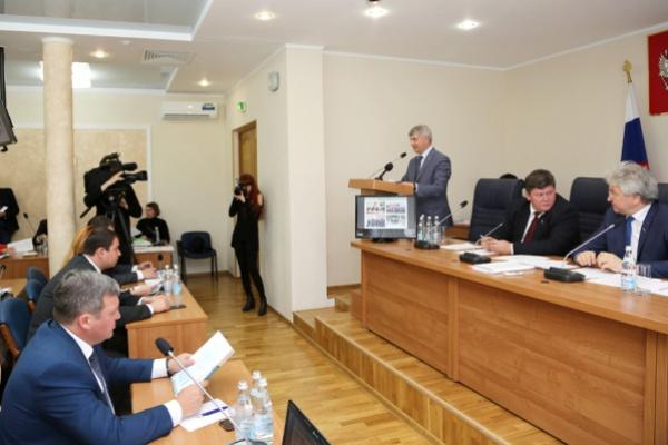 Воронежский мэр ответил депутатам за все
