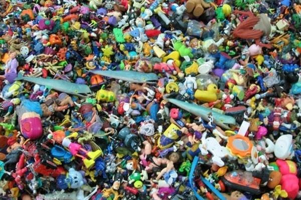 Воронежские магазины продавали опасные детские товары