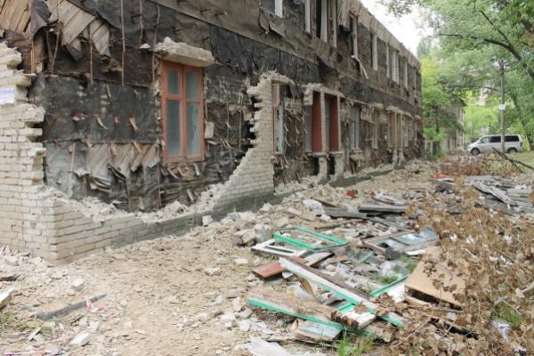 В Воронеже годами не сносят расселённые дома