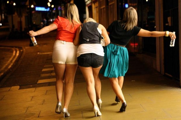 Воронежских юношей и девушек хотят наказать за покупку водки