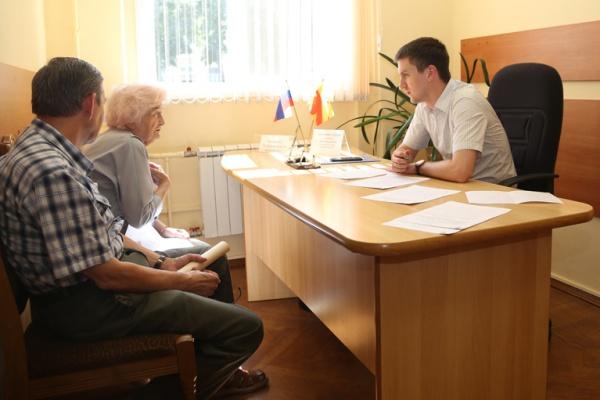 Воронежцы попросили мэрию привести в порядок сквер на улице Грамши