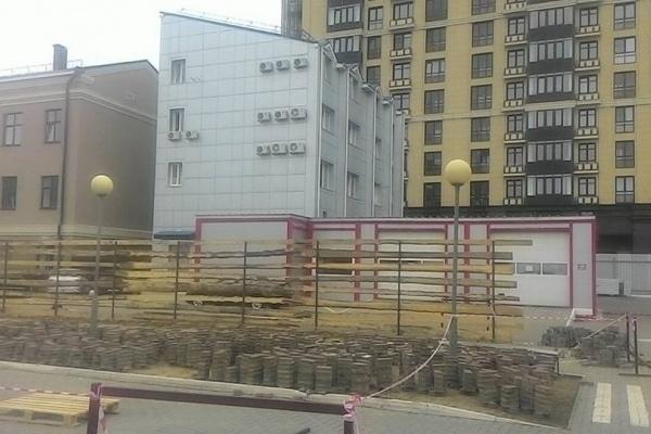 Парковку в центре Воронежа превратят в торговые ряды