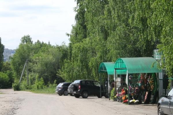 Жительница Воронежа не смогла похоронить бабушку в назначенный день из-за «черных агентов»