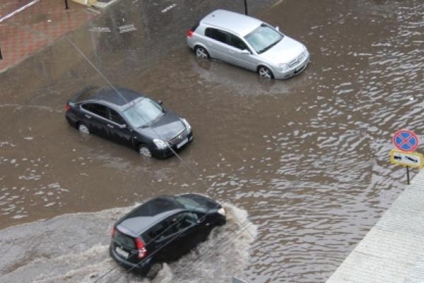 В Воронеже затопило четыре улицы