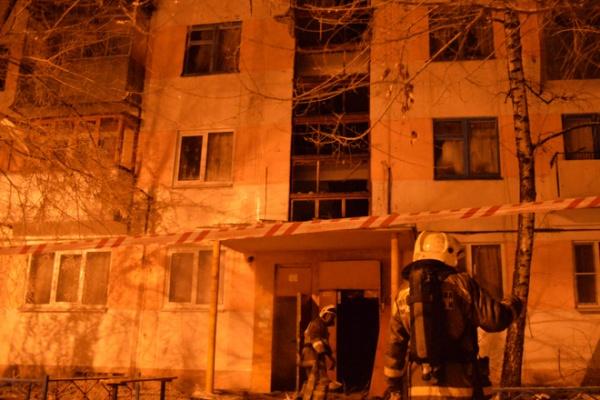Пожар в доме на Космонавтов произошел из-за взрыва в квартире воронежского пожарного