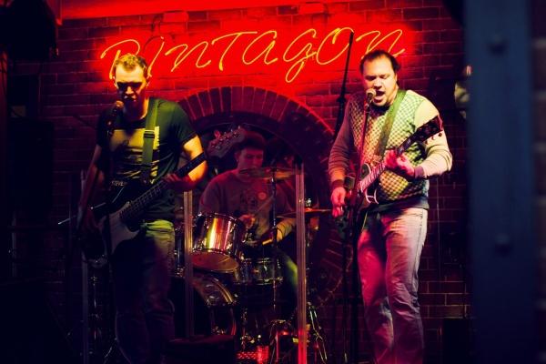 Конкурс молодых  рок-исполнителей открылся в Воронеже под нежные звуки виолончели