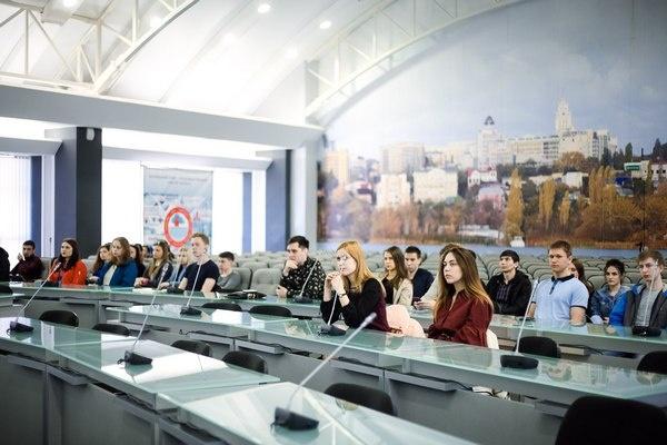 «Правила роста» и студенты воронежского опорного вуза взялись за дорожные инновации