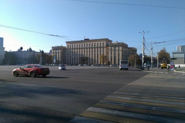 На годовую охрану здания воронежского правительства из бюджета готовы потратить 18,5 млн рублей