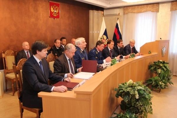Воронежский губернатор взял на себя координирующую роль в борьбе с коррупцией