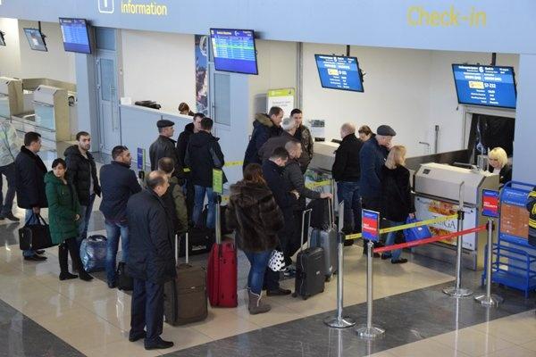 В воронежском аэропорту судебные приставы приступили к круглосуточному дежурству