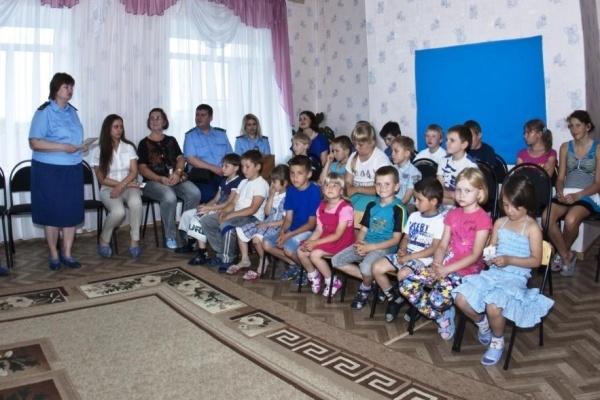 Воронежских детей ущемляют в правах в среднем по 40 раз в день