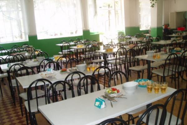 Воронежских детей плохо защищают и кормят