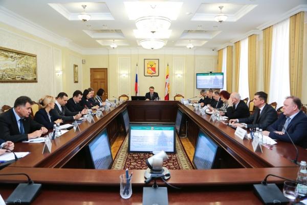 Мэр Воронежа решил проверить подчиненных на знание антикоррупционных законов