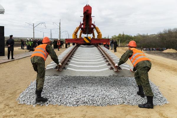 Под Воронежем железную дорогу строят без разрешения и проекта