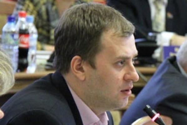 Илья Сахаров остается работать в правительстве Воронежской области
