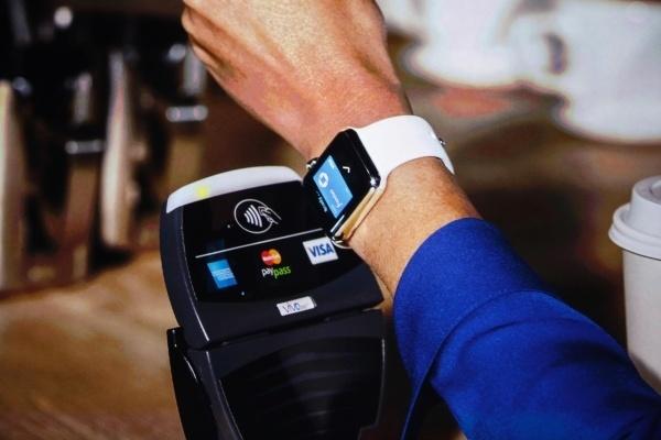 Сбербанк вводит технологию бесконтактной оплаты NFC