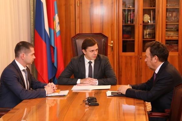 Орловскому губернатору вручили «Мир»
