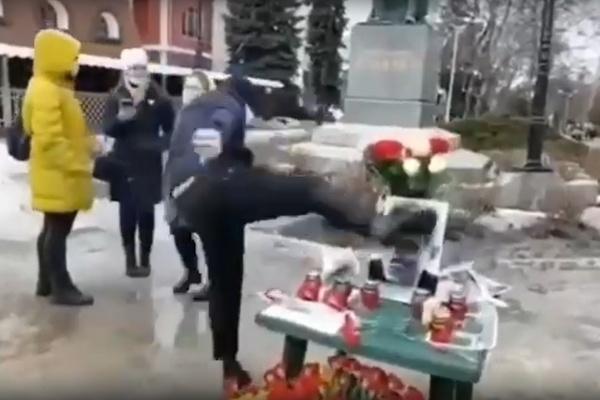 Несогласованный марш Немцова в Воронеже закончился скандалом