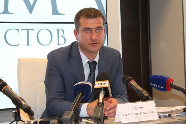 Александр Щукин пообещал, что не закроет воронежские больницы
