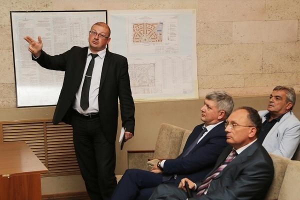 Бывший главный архитектор Воронежа посидит дома еще месяц