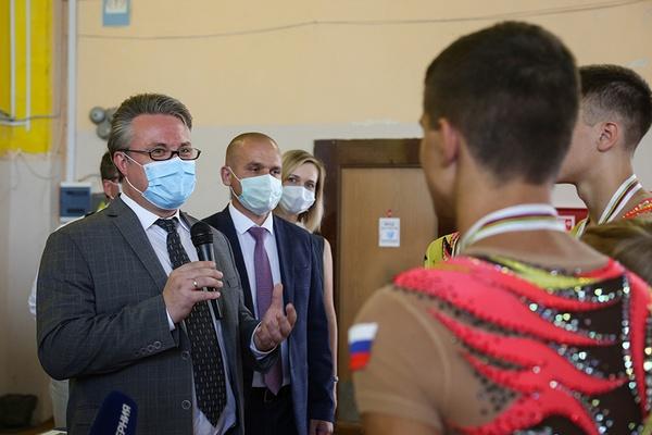 Вадим Кстенин лично поздравил юных воронежцев с мировым чемпионством по спортивной гимнастике