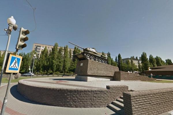 В Воронеже реконструируют памятник танку Т-34