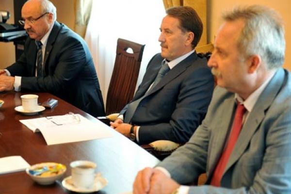 Глава секретариата воронежского губернатора  ушел в отставку