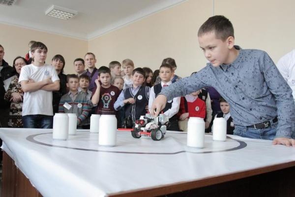 В Воронежском госуниверситете устроили битву роботов