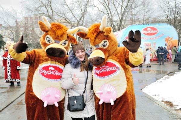 В Воронеже на Масленице от «Вкуснотеево» съели 15 тысяч блинов