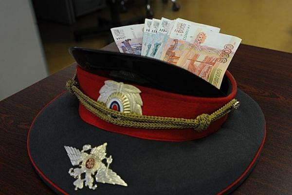 Воронежского полицейского-взяточника будут судить в Москве