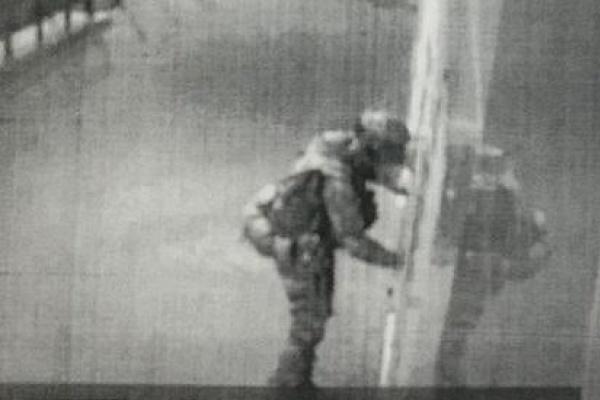 В Лисках вооруженный мужчина пытался взорвать отдел полиции