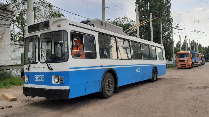В Воронеж привезли подаренные московские троллейбусы